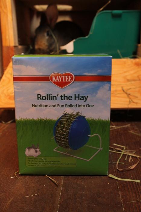 Kaytee Rollin' The Hay Feeder